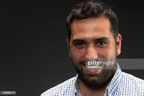 trente-homme - homme arabe barbu photos et images de collection