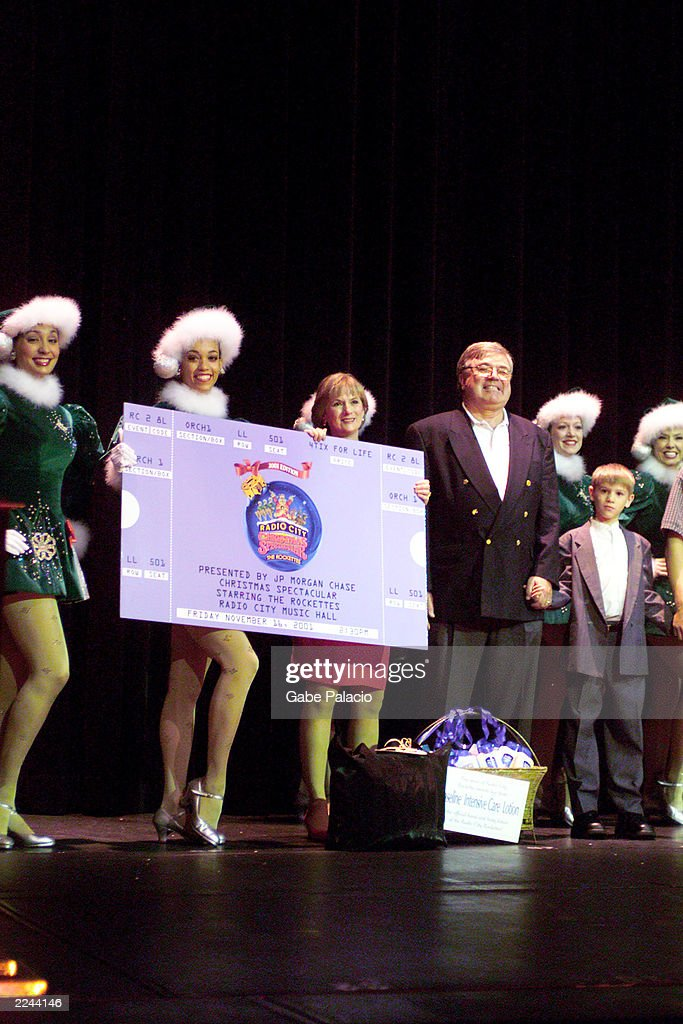 50 Millionth Patron of the Radio City Christmas Spectacular Pictures ...