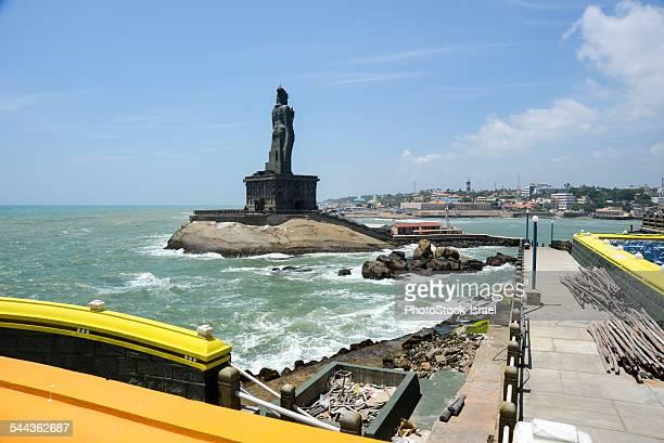 thiruvalluvar statue, kanyakumari - tamil nadu stock pictures, royalty-free photos & images
