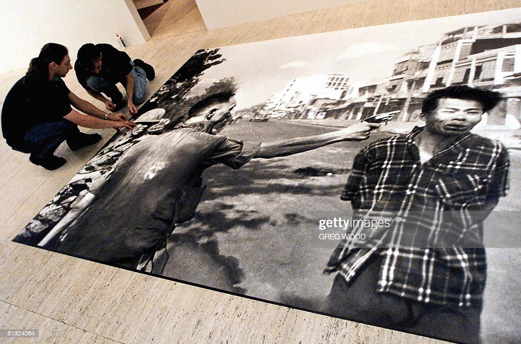 (FILES) This 23 November, 2000 file phot : News Photo