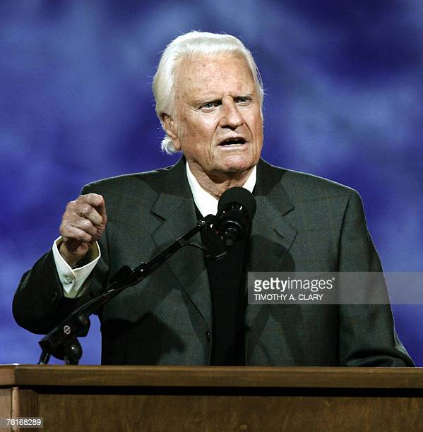 This 24 June 2005 file photo shows US evangelist Billy Graham delivering his message during the Billy Graham Crusade at Flushing Meadows Park in...