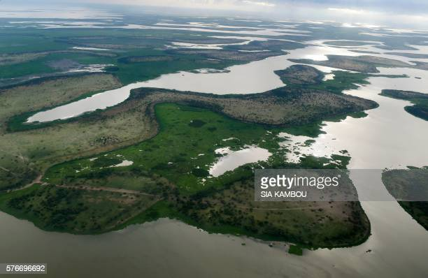 This aerial picture taken on July 16 2016 shows the Lake Chad in the Bol region around 200km from Chad capital city N'Djamena / AFP / SIA KAMBOU