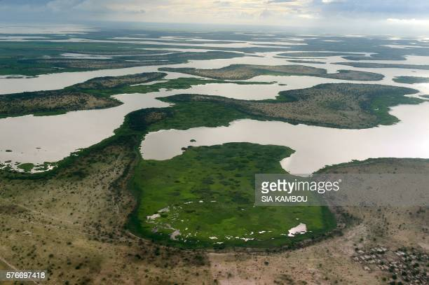 This aerial picture taken on July 16 2016 shows the Lake Chad in the Bol region around 200km from Chad capital city N'Djamena / AFP PHOTO / SIA KAMBOU