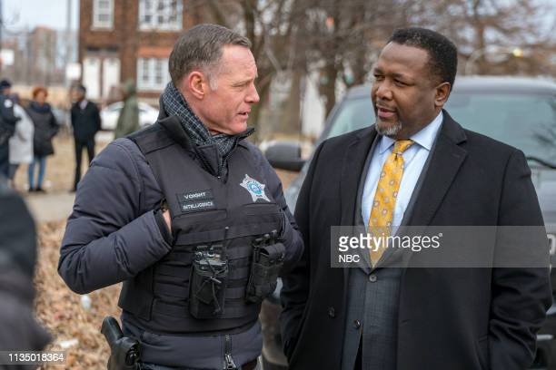 D This City Episode 618 Pictured Jason Beghe as Sgt Hank Voight Wendell Pierce as Ray Price