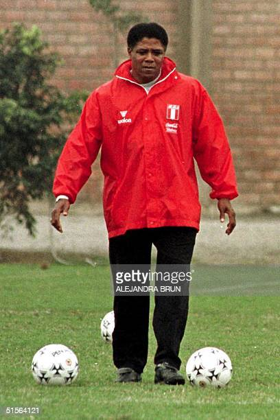 This file photo taken 01 September 2000 shows the soccer coach of Peruvian national team Francisco Maturana in Lima during a training Maturana...