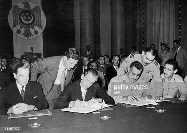 This file photo taken 21 october 1954 in the Egyptian Parliament in Cairo shows British minister of the foreign office Anthony Nutting and lieutenant...