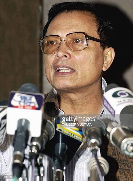 This file picture taken 17 June 2002 shows India's chief election commissioner JM Lyngdoh speaking at a press conference in Srinagar It was announced...