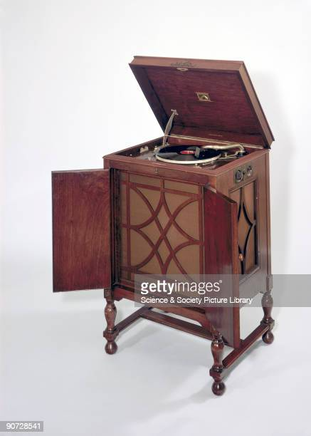 This floorstanding gramophone model 163 was produced by HMV at the height of the dance band era The gramophone had been invented by the...