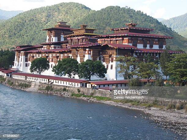 CONTENT] This fortressmonastery was built in 1637 at the confluence of the Pho and Mo rivers The decorations are for the king's wedding on Oct 13 2011