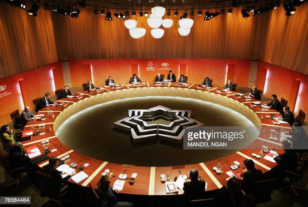 This general view shows the start of the Leaders' Retreat, 08 September 2007, during the Asia-Pacific Economic Cooperation summit at the Sydney Opera...