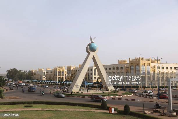 This general view taken on March 21 2017 shows the Peace monument and the Ministerial city in the Malian capital Bamako / AFP PHOTO / SEBASTIEN...