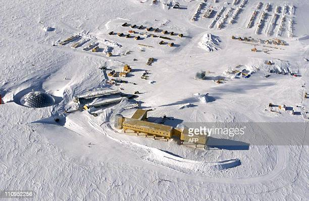 This handout photo dated 31 October 2002 shows an aerial view of the new elevated station being built at the US AmundsenScott South Pole Station in...