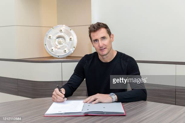 This Handout photo made available by German first division Bundesliga team FC Bayern Munich on May 7, 2020 shows former Bayern player Miroslav Klose...