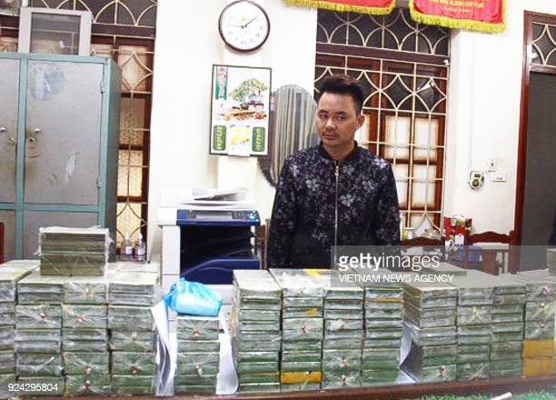 This handout taken by the Vietnam News Agency on February 25 2018 and distributed on February 26 shows alleged drug smuggler and ringleader Tran Van...