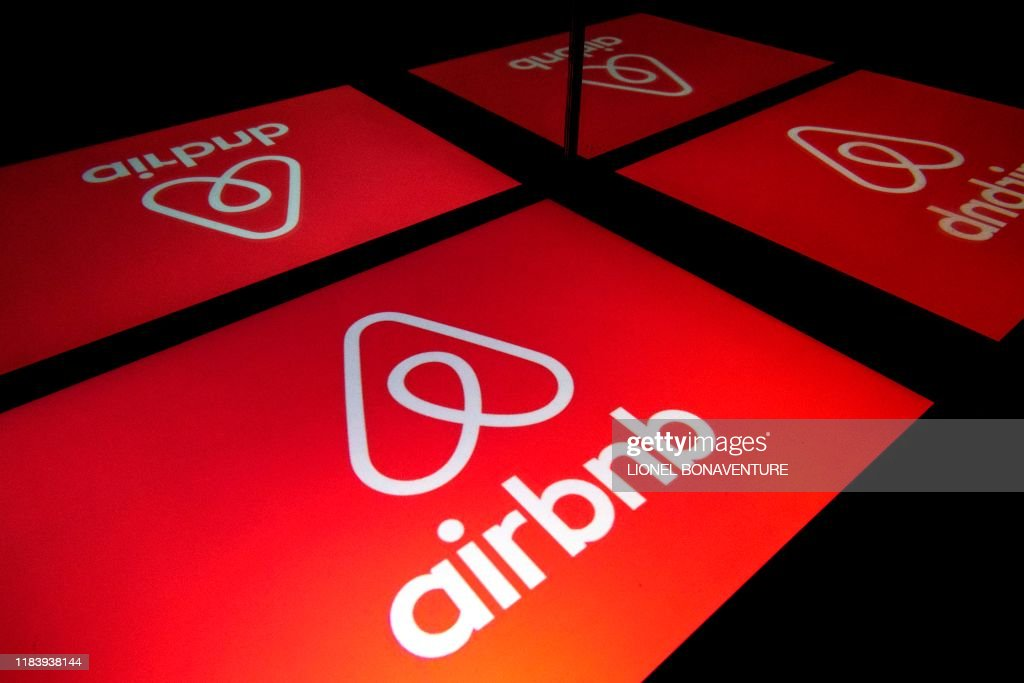 FRANCE-TOURISM-LODGING-AIRBNB : News Photo