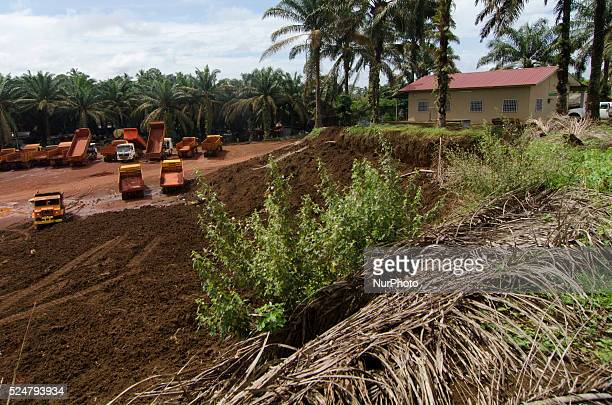 This image shows that the bauxite mining area is just next to the resident house in Felda Bukit Goh Kuantan on End December 2015 Bauxite mining in...