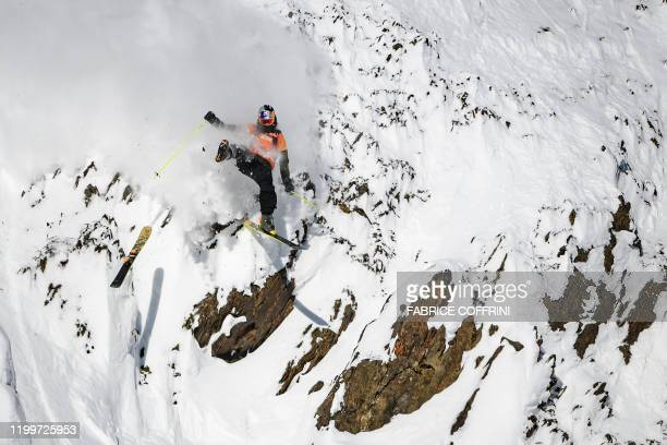 TOPSHOT This image taken on February 7 2020 shows freeride skier Logan Pehota of Canada loosing a ski while competing during the Men's ski event of...