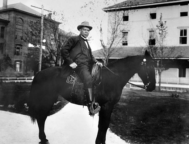 UNS: Bettmann Moments-Famous Folks On Horseback