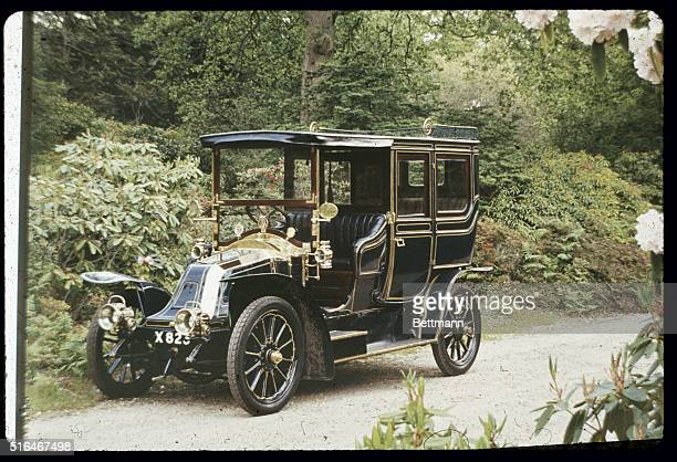This is a 1909 Renault a classic French automobile