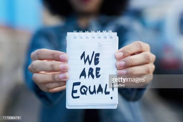 esta é uma declaração clara, não um pedido - igualdade - fotografias e filmes do acervo