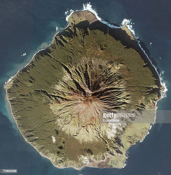 This is a satellite image of Trinstanda Dunha Island