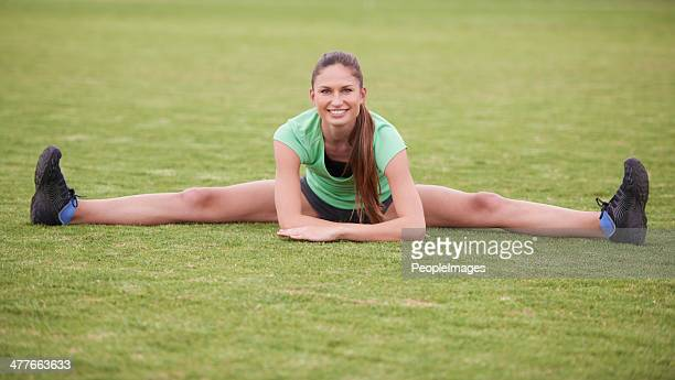 this is flexibility! - benen gespreid stockfoto's en -beelden