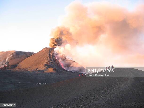 CONTENT] This is how the south east crater appeared on the 16th november 2006 Due to the strong explosions the eastern flank of the crater collapsed...