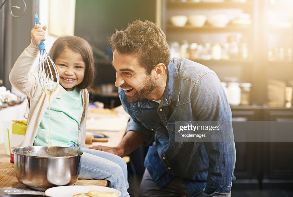 This is how you make the perfect pancake batter : Stock Photo