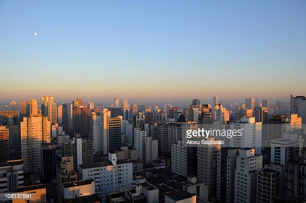 this morning's first lights - são paulo city stock pictures, royalty-free photos & images