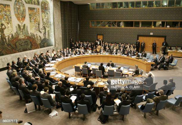This photo shows an overall view of a meeting by the United Nations Security Council 31 October 2005 in New York on a resolution that would threaten...