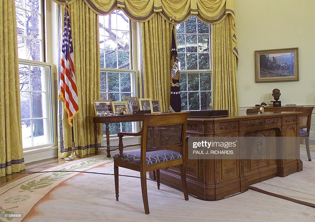 This photo shows the desk used by us president george w bush 30 january