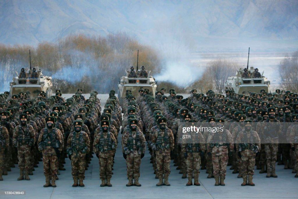 TOPSHOT-CHINA-DEFENCE : News Photo