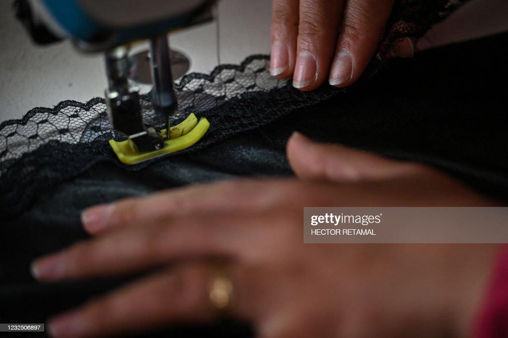 CHINA-CLOTHING-LINGERIE : News Photo