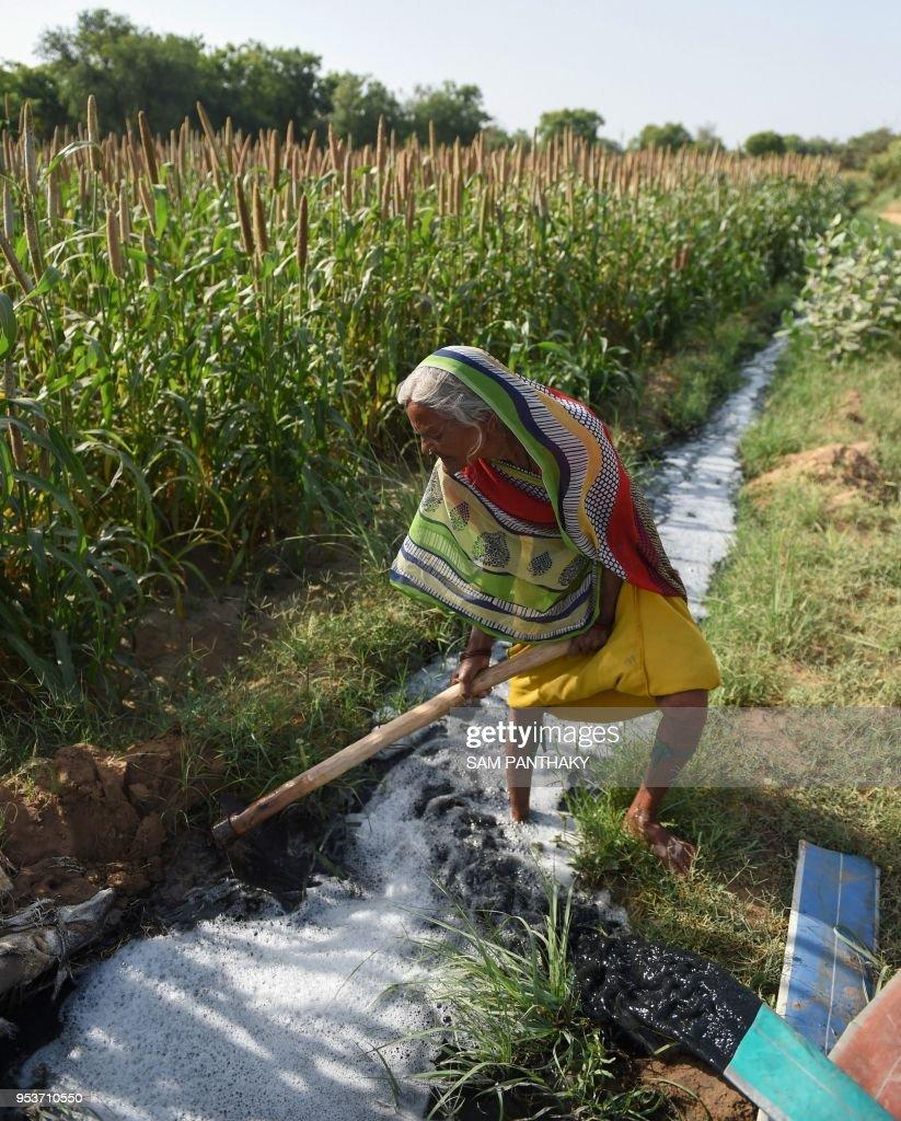 INDIA-ENVIRONMENT-HEALTH-POLLUTION : News Photo