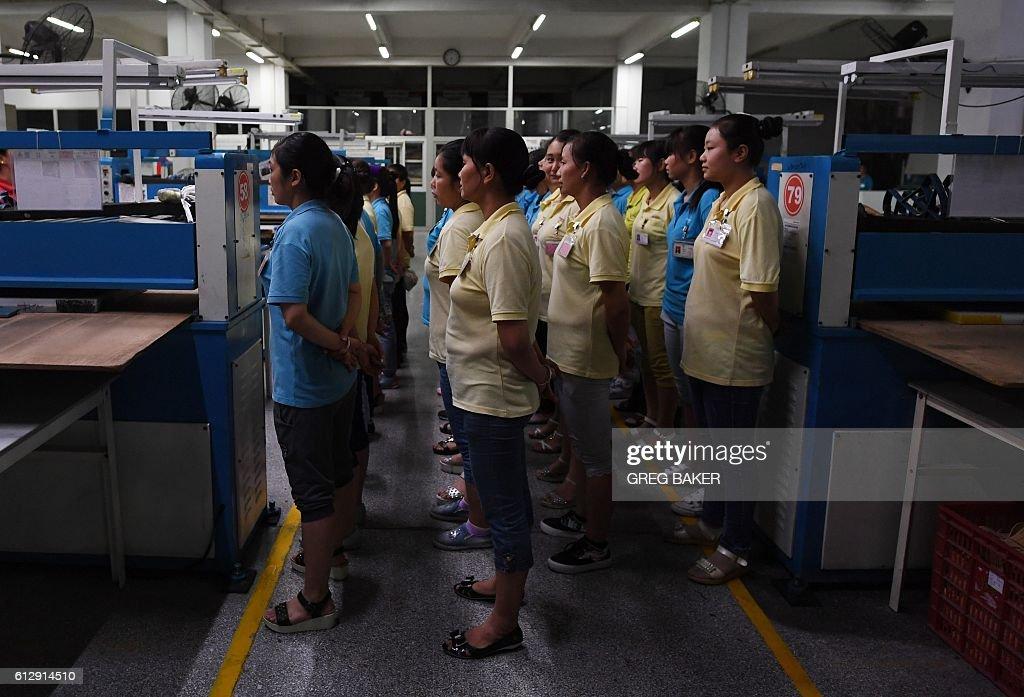 CHINA-US-VOTE-TRUMP-MANUFACTURING-EMPLOYMENT : News Photo
