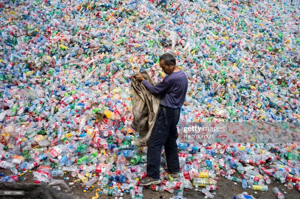 TOPSHOT-CHINA-POLLUTION-ENVIRONMENT-CLIMATE-COP21 : News Photo