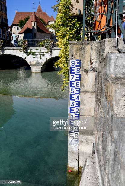 This photo taken on September 28 2018 in Annecy shows the very low level of Lake Annecy following the heat of the summer