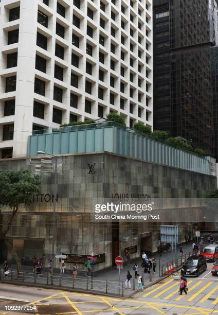 This photograph shows the exterior of Louis Vuitton shop in Central Hong  Kong 07JUL17 SCMP   a2a20113aaf