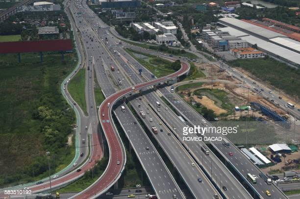 This photograph taken on July 25 2016 shows an aerial view of Bangkok's expressway near Suvarnabhumi airport / AFP / ROMEO GACAD