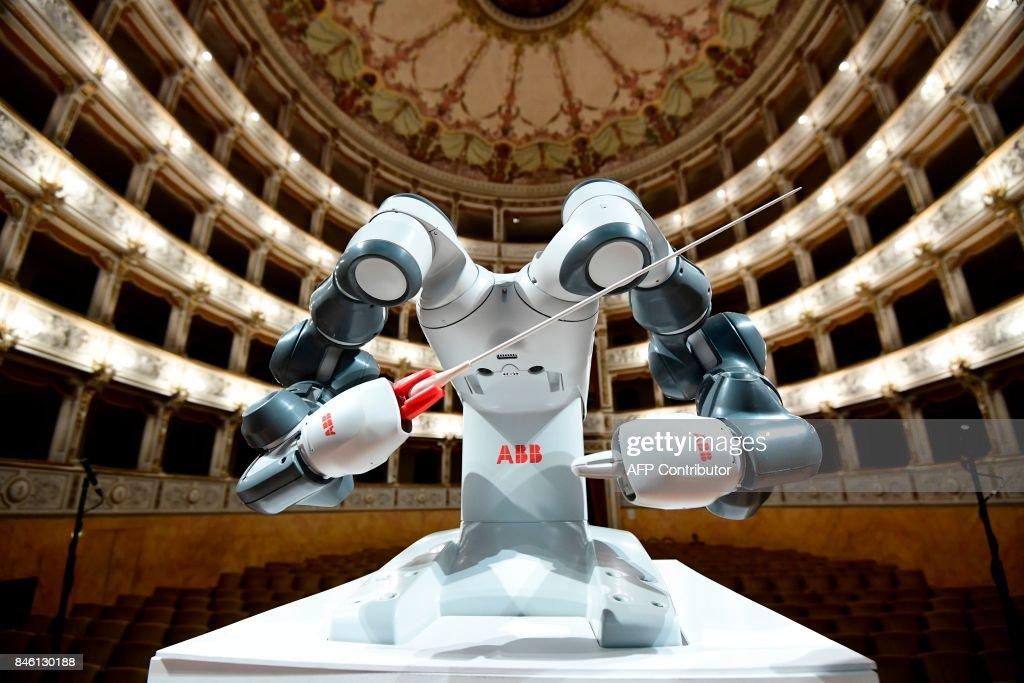 ITALY-MUSIC-ROBOTICS : News Photo