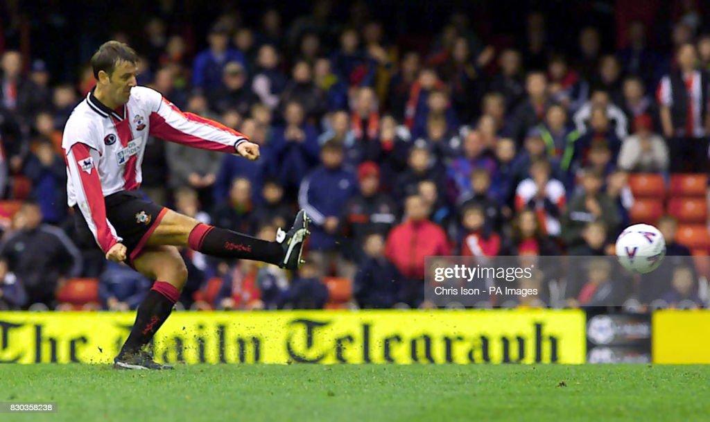 Soccer - FA Carling Premiership - Southampton v Sunderland - The Dell : News Photo