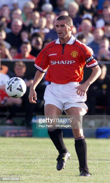 This picture may only be used within the context of an editorial feature Manchester United's Roy Keane on the ball during United's match against an...