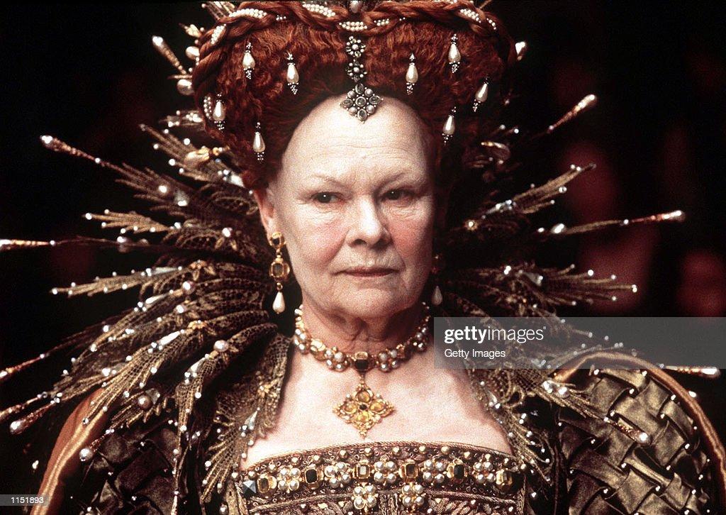 Judy Dench in Elizabeth : News Photo