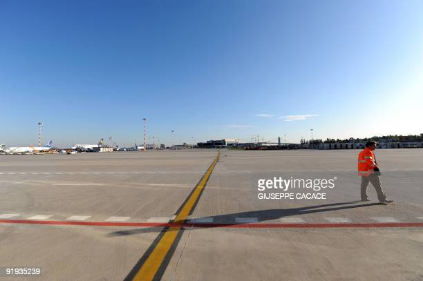 This picture shows a general view of Malpensa airport on October 15 2009 AFP PHOTO / GIUSEPPE CACACE