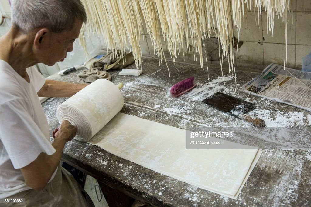 HONG KONG-LIFESTYLE-FOOD-NOODLES-BUSINESS : News Photo
