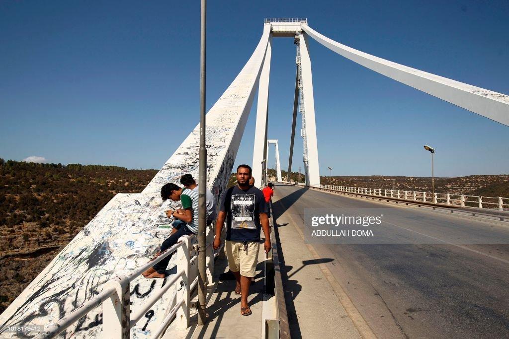 LIBYA-BRIDGE-MORANDI-ACCIDENT : Foto di attualità