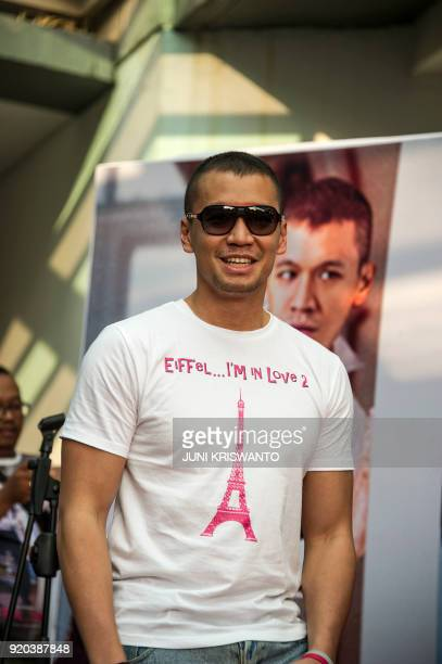 This picture taken on February 18 2018 shows Indonesian actor Samuel Rizal posing during a promotional event in Surabaya / AFP PHOTO / Juni Kriswanto