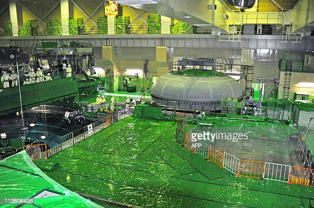 This picture taken on March 25, 2010 shows inside of the unit five reactor building at Chubu Electric Power's Hamaoka nuclear power plant at Omaezaki...