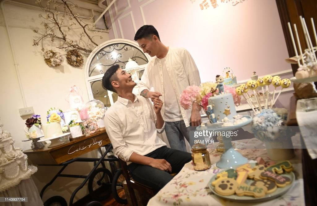 TOPSHOT - This picture taken on May 7, 2019 shows cake maker Shane