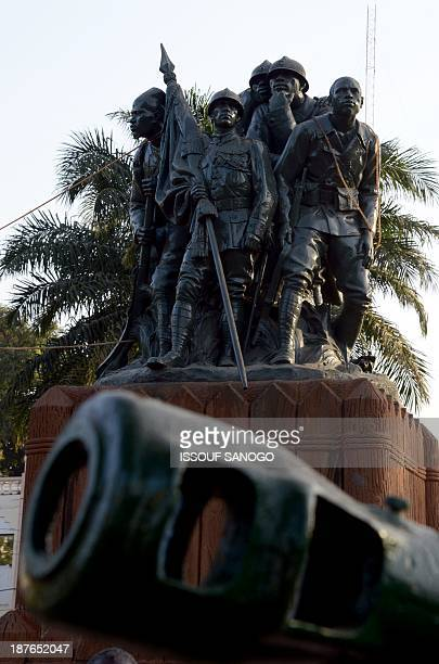 This picture taken on November 5 2013 in Bamako shows a war memorial inaugurated in 1924 in tribute to African soldiers who fought for France and...